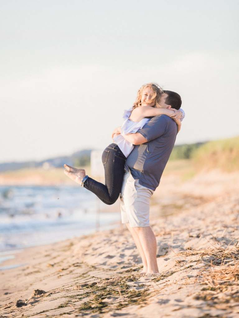 saugatuck michigan engagement pictures wedding photographer